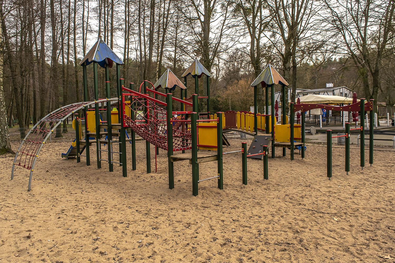 Plac zabaw na Płotkach w Pile. Fot. Marcin Maziarz